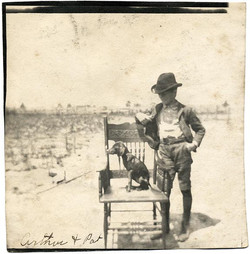 fp1963 (Boy-Dog-Chair)