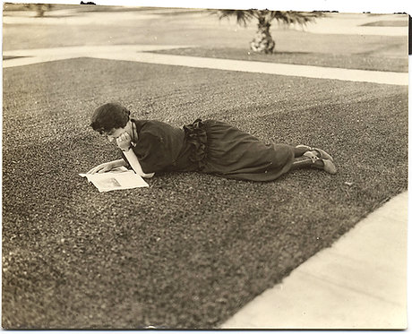 STUNNING GRAPHIC WOMAN READS LYING on GRASS AWESOME COMPOSITION