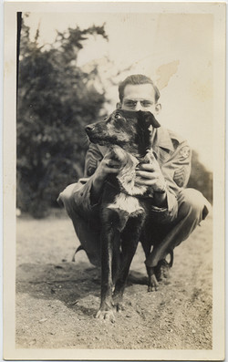 fp6066(Soldier&Dog_Petting_Affectionate)