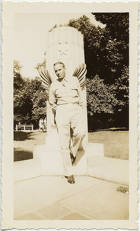 SERVICEMAN with WINGS at MONUMENT!  ANGEL OPTICAL ILLUSION!
