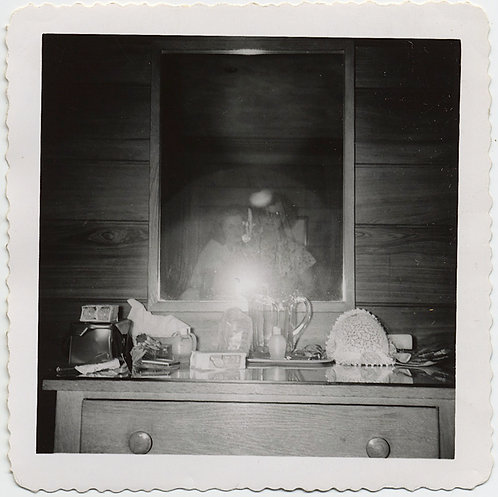 ICONIC MIRROR FLASH PHOTO BEDROOM DRESSER REFLECTION