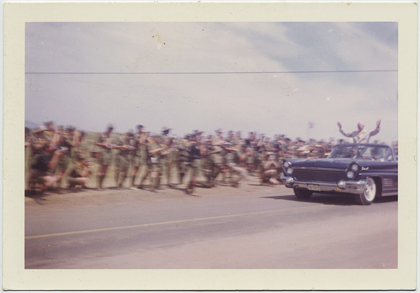 fp10279(Eisenhower-Scouts-Parade-Greetin