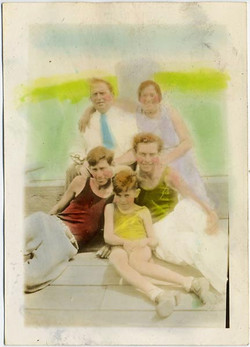 fp1930 (HandTinted-Family