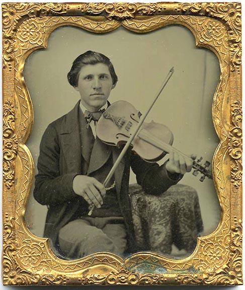 fp1711 (violinist-ambro-detail2)