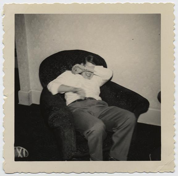 fp3964(SeatedMan_HidingFace)