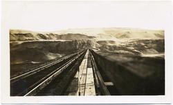 fp2066 (Receding-Tracks-Landscape)