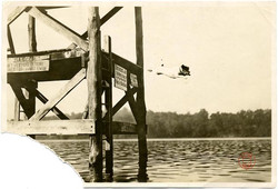 fp1145 (jack russell leaps off dock)