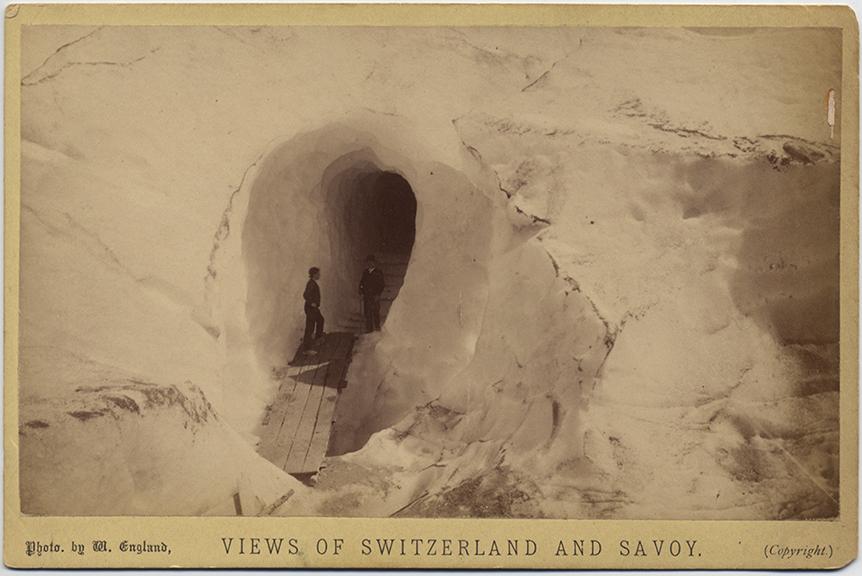 fp5446(CC_ViewsOfSwitzerlandAndSavoy_SnowCave_Men)