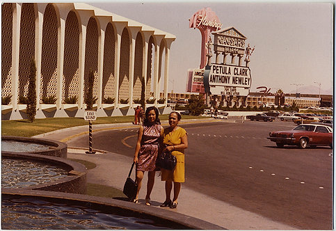 WOMEN FANS in VEGAS PETULA CLARK ANTHONY NEWLEY PERFORM at CAESARS FLAMINGO!