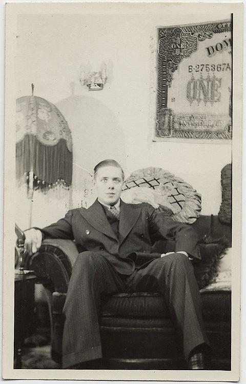 UNUSUAL WIDE-EYED MAN w OPTICAL ILLUSION CAT on SHOULDER & WEIRD DOLLAR WALL ART