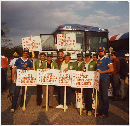JOBS JUSTICE COMPASSION SOLIDARITY LABOR WORKERS BUSSED PICKET PLACARDS