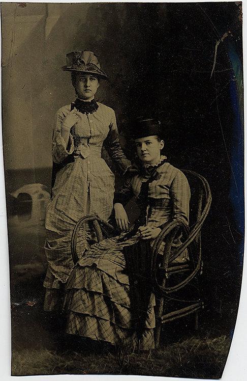 TWO EDWARDIAN WOMEN in GREAT DRESSES HATS in STUDIO PORTRAIT BENTWOOD CHAIR