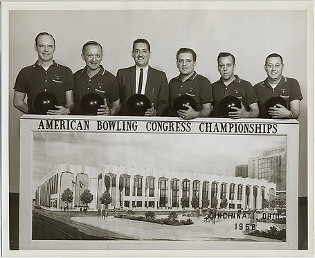 1968 AMERICAN BOWLING CONGRESS CHAMPIONSHIP CINCINNATI MEN'S TEAM GROUP PHOTO