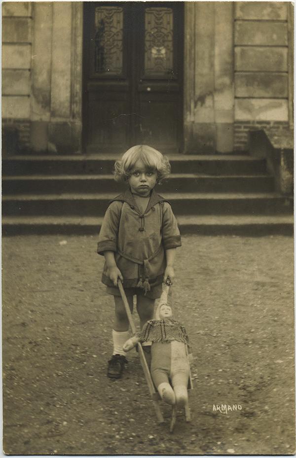 fp8732(Boy-French-Doll-Wheelbarrow)