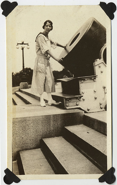 FABULOUS! WOMAN INSPECTS CANNON LARGE GUN on STEPS AWESOME LIGHT & DARK GRAPHIC