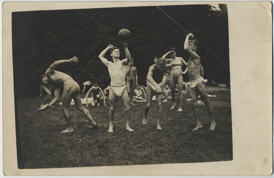 fp6106(RPPC_Men_NudeThongs_OutdoorSports)