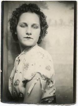 fp1957 (PB-Woman-Sad-Eyes)