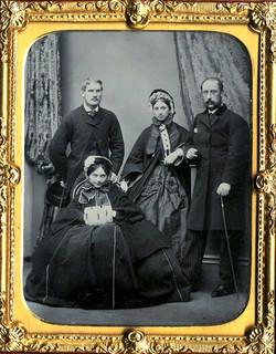 fp1504 (family & girl w muff)