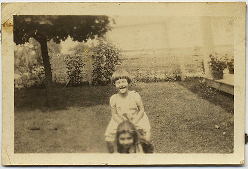 CUTE TINY PIC LITTLE GIRL in BOB HORSEPLAYS CLIMBS on SHOULDERS BACKYARD GARDEN!