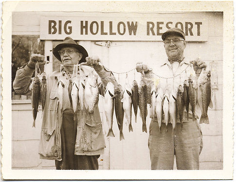 BIG HOLLOW RESORT JAY OKLAHOMA FISHERMAN DISPLAY AWESOME FISH FISHING CATCH!