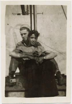 fp8057(Sailors-Men-Together)