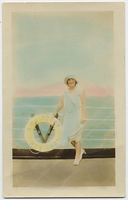 fp4145(Woman_Smiling_Shipboard-tinted)