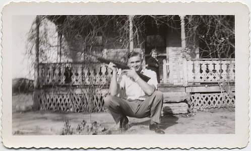 PROUD HANDSOME MAN POSES w GUN RIFLE LITTLE GIRLD WATCHES from PORCH