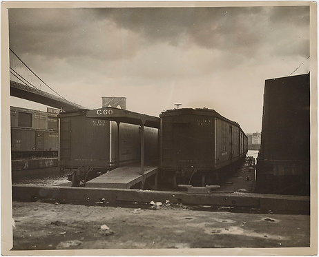 PRESS PHOTO MOODY INTRIGUING RAILWAY BOXCARS on PIERS GLIMPSE of BROOKLY BRIDGE