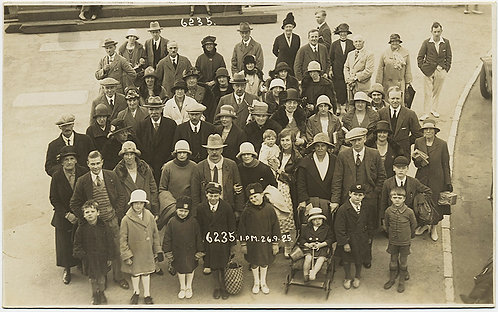 GREAT GROUP poses at 1pm on Sept. 26, 1925 in HATS!