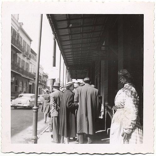 UNUSUAL RACIST CARICATURE BLACK MAMMY FIGURE STANDS at NOLA ANTOINE'S RESTAURANT