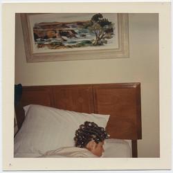 fp4095(SleepingWoman_Curlers)