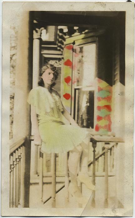 fp5390(Girl_Porch_Railing_Tinted)