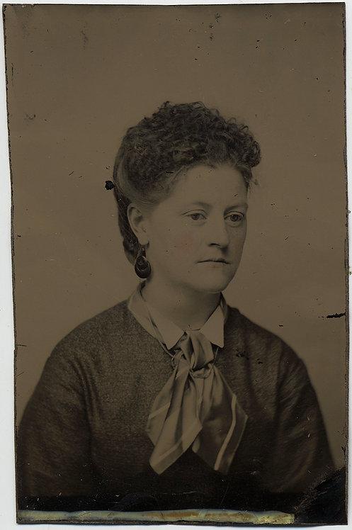 ELEGANT DETAILED TINTYPE PORTRAIT of HANDSOME WOMAN w BAKELITE? EARRINGS