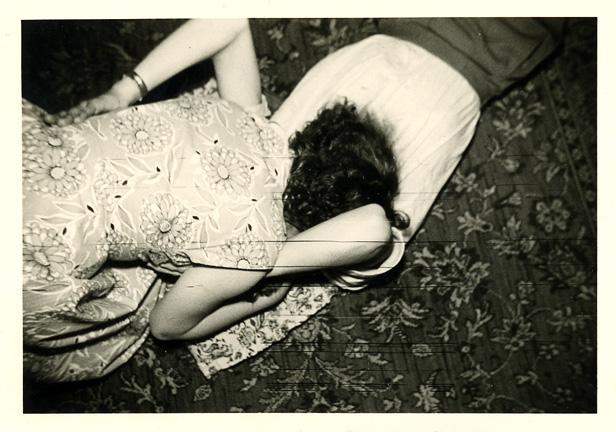 fp0790 (kiss on carpet)