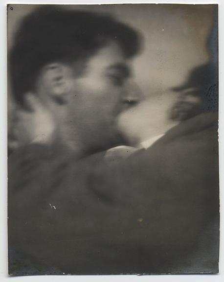 fp4015(CoupleKissing)