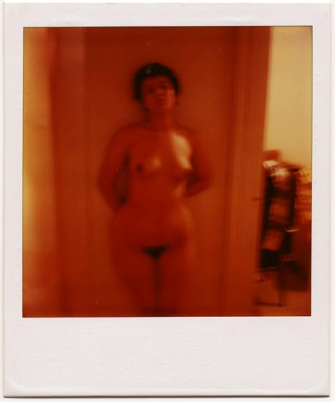 fp1803 (nude-woman-polaroid)