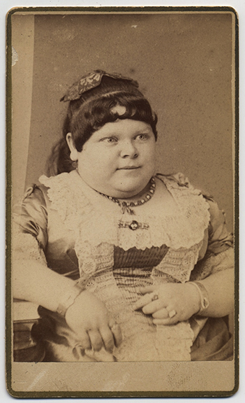 fp3214(CDV_Woman_ShortHeavy)