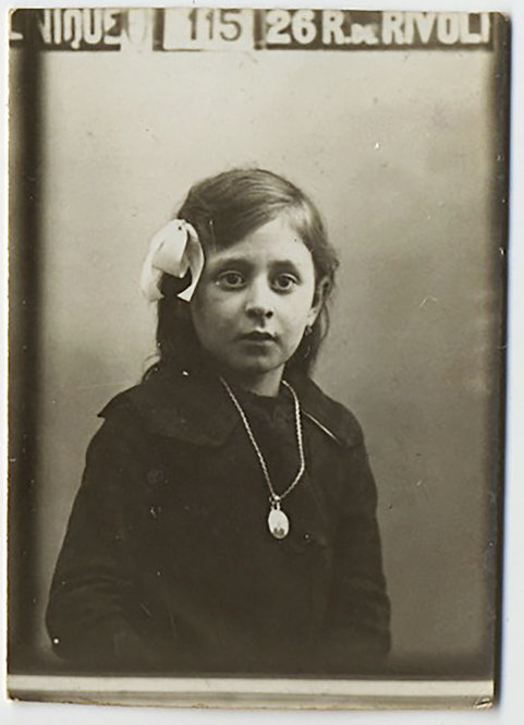 GORGEOUS FRENCH PHOTOBOOTH WIDE-EYED LITTLE GIRL w LOCKET Rue de Rivoli