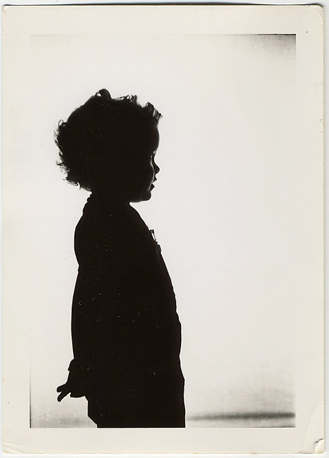 GORGEOUS BEAUTIFUL SILHOUETTE of CHILD w HANDS benhind BACK