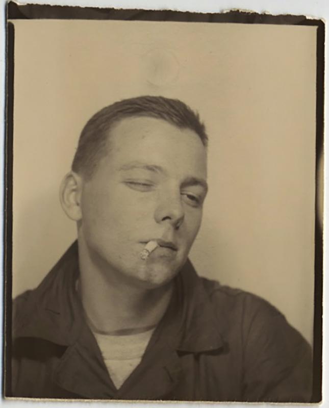 fp10355(PB-Smoking-Boy)