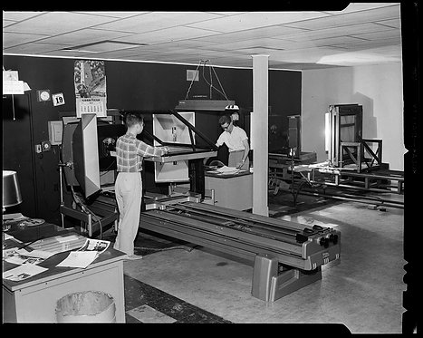 4x5 NEGATIVE PRESS PHOTO SUN ENGRAVING COMPANY WORKERS MEN at WORK
