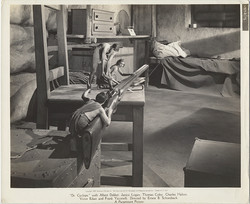 fp6307(PF_MovieStill_DrCyclops_ShrunkenPeople_Rifle)