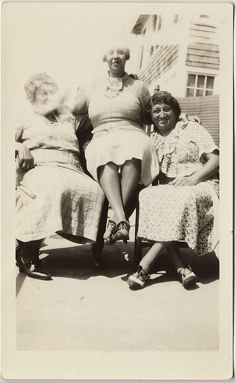 THREE COMELY AFFECTIONATE WOMEN w TWO-TONE SHOES and LIGHT LEAK MISTAKE
