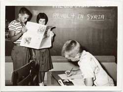 fp8726(Kids-Revolt-Syria)