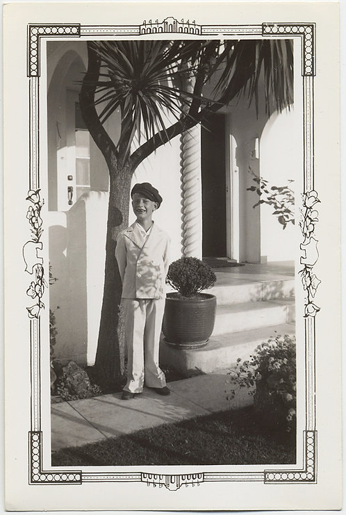 LOVELY LITTLE CALIFORNIA BOY PRINCELING in WHITE OUTFIT YUCCA MOORISH COLUMN