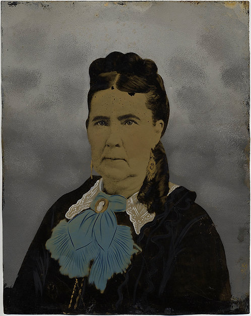 SUPERB FULL PLATE TINTYPE HAND PAINTED OLDER WOMAN SCARF CAMEO LACE COLLAR
