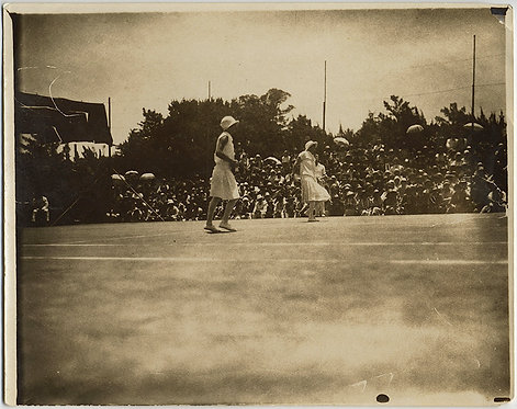 RARE! EARLY WOMEN'S TENNIS MATCH played in front of CROWDS!