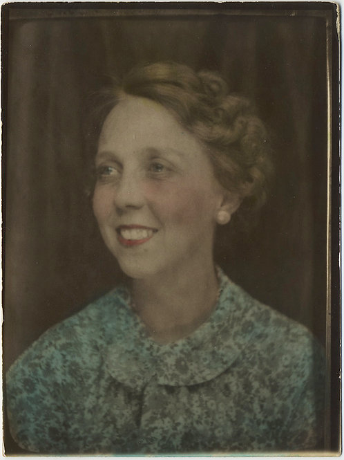LARGE DIRECT POSITIVE HAND TINTED PHOTOBOOTH-esqe PORTRAIT SMILING WOMAN