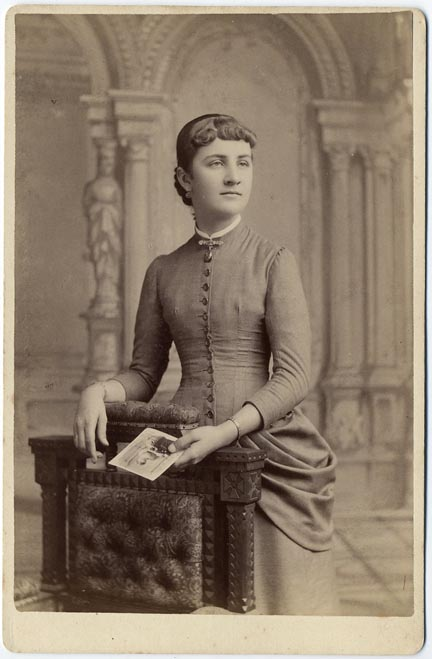 fp1747 (woman-holding-cc)