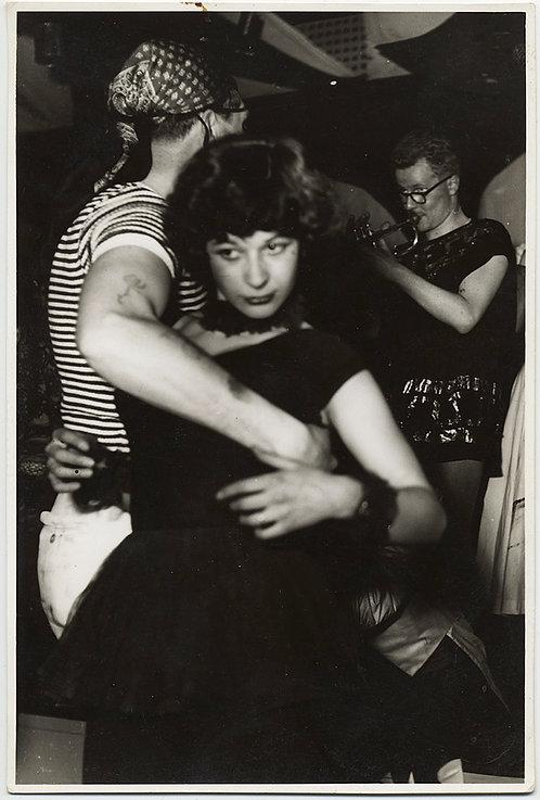 FABULOUS SEXY WOMAN DANCES NIGHT AWAY w TATTOOED BEAU at ALADINS
